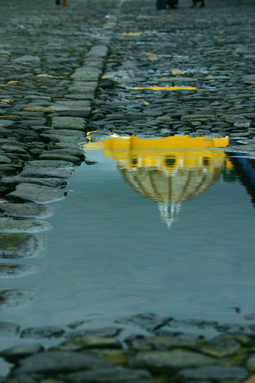 reflect yellow